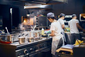 """Las empresas de delivery imponen una nueva tendencia: """"dark kitchens"""""""